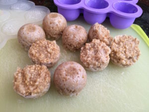 oatmeal-frozen-pucks