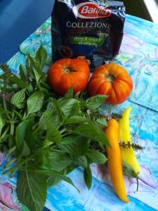 tortellini-tomatoes-basil