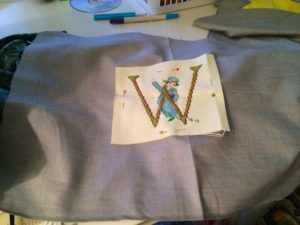 pillow-pin-applique