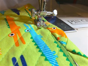 chenille-blanket-stitch-ditch