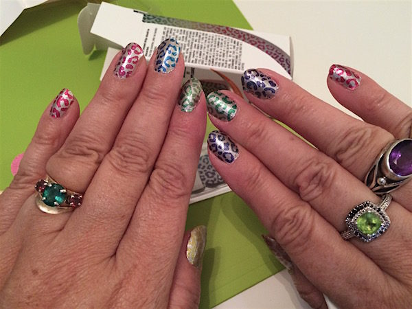 Easy nail art with nail polish strips