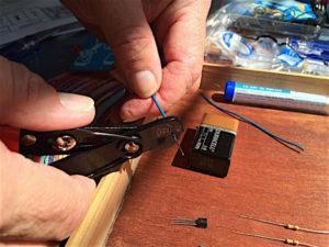 solder-wire-stripping