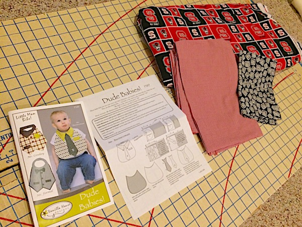 Baby Bib Quick Diy School Spirit Shirt And Tie Casa Bouquet