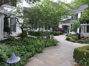 fearrington-inn-courtyard