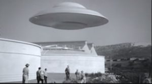 Hugh Marlowe is a serious rocket scientist who attracts alien attention. Ray Harryhausen special effects destroy Washington. Lisa's Home Bijou: Earth vs. the Flying Saucers (1956)