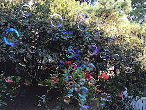 9 bubble activities for kids with experiments