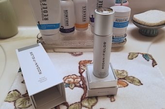 Rodan + Fields Active Hydration Serum is an oil-free serum that uses glycerin to help lock in moisture for 8 hours and boost performance of skincare.