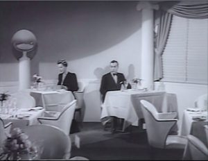 love-affair-separate-tables