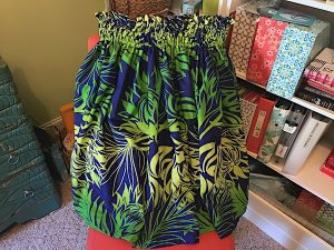How to make a simple gathered skirt. Use Hawaiian fabric to make a pa'u skirt for hula.