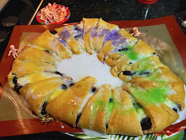 King cake recipe crescent rolls fruit cream cheese